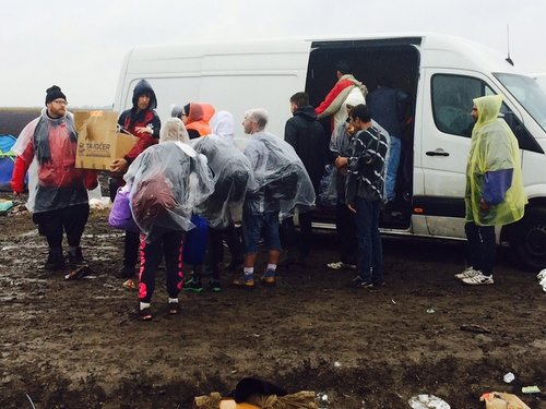 Relief efforts for Syrian refugees near the border with Serbia in Hungary. (Credit: JDC)