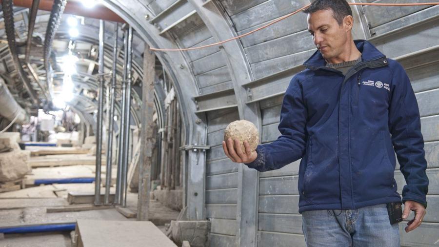 CD. catapult ball