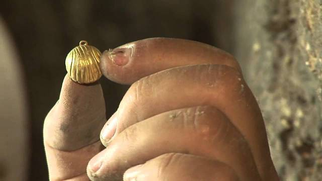 gold bell found in drainage tunnel