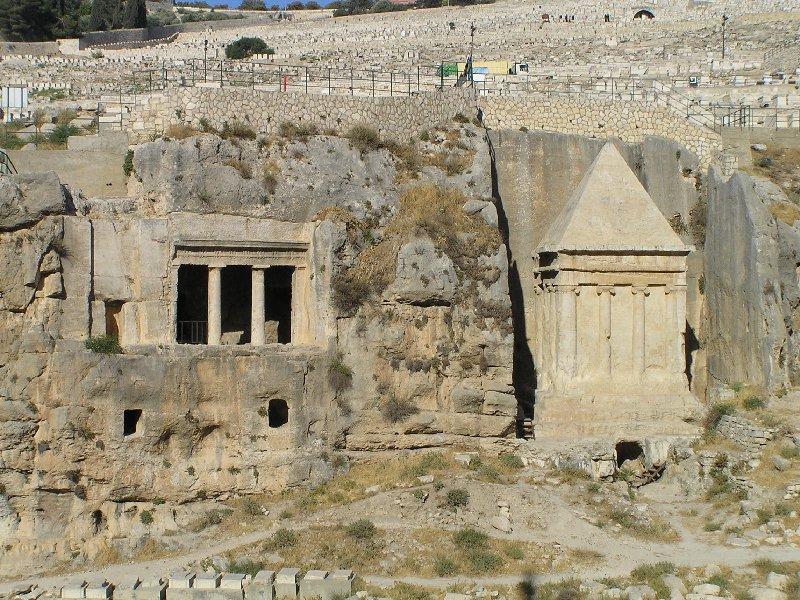 [Image: mount.zakharia.hezir.tombs.jpg]