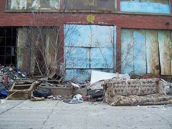 Detroit housing  in ruins