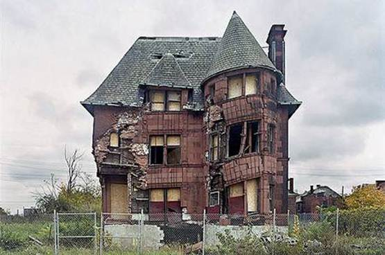 Detroit. crumbling building