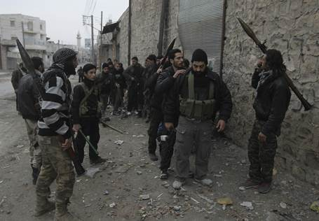 Islamic Front fighters prepare for an offensive